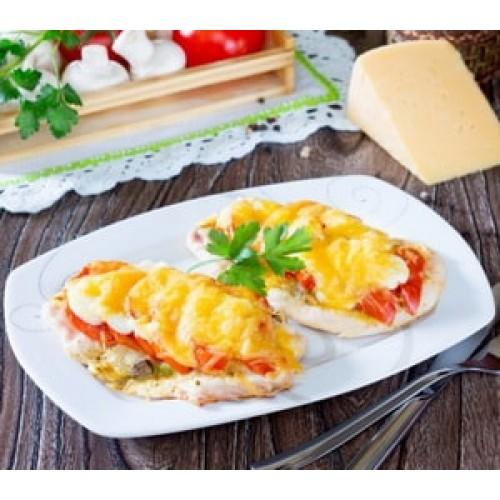 Küpsetatud kanafilee tomati ja juustuga