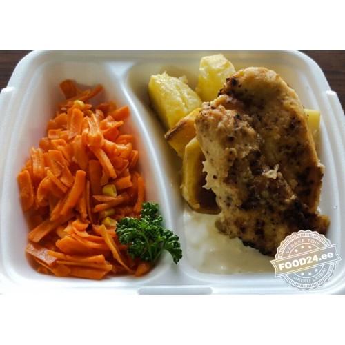 Жареное куриное филе с сырным соусом
