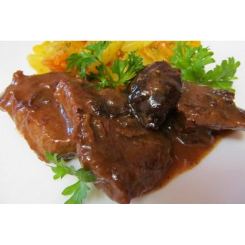 Тушеная говядина с черносливом